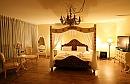 לה וילאז' מלון בוטיק וספא תאורה רומנטית