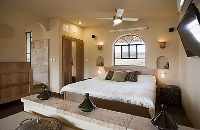 צימר in south area | Arava - a secluded suite in the south - מיטת קינג סייז