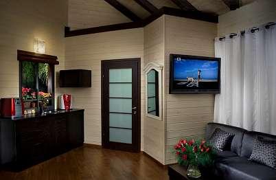 צימר in north area | Muskat - a luxurious resort experience - חלל הסוויטה מרווח ויפיפה .